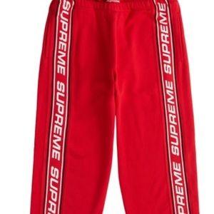 Supreme jogging pants